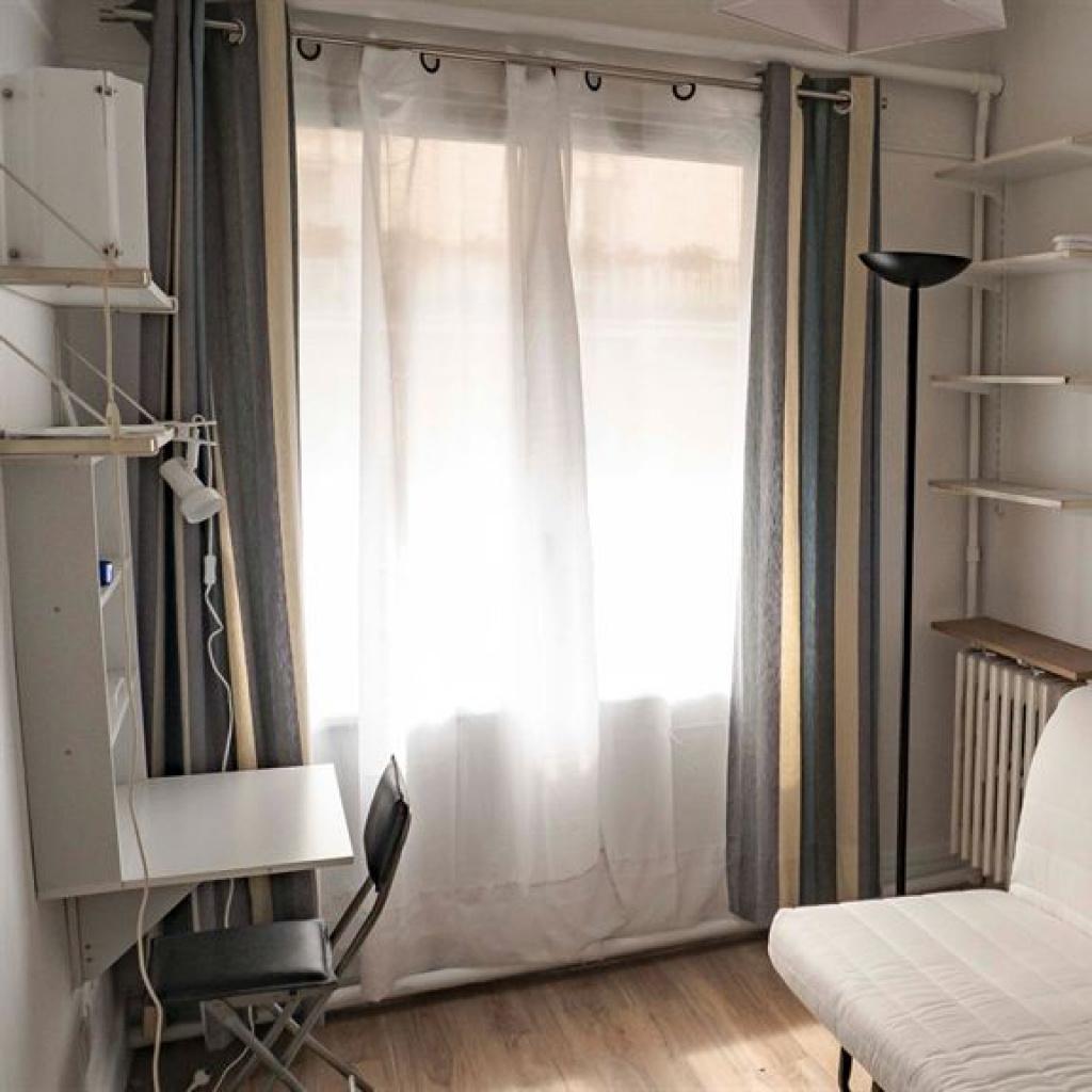 Location a louer studio meuble paris 16 jasmin for Louer studio meuble paris